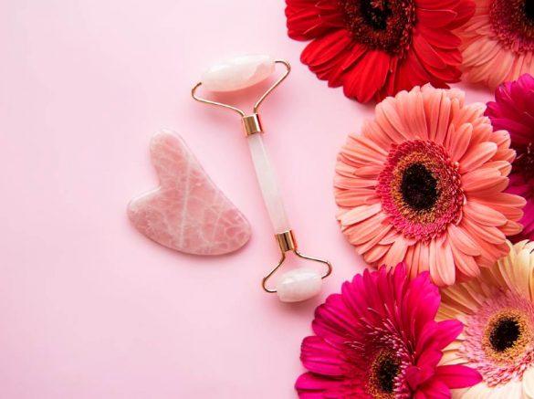 blomster-og-ansigtsrulle-med-rosakvarts-sten